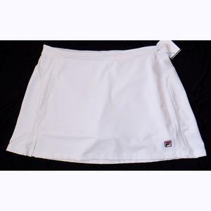 Fila tennis/golf white skirt w/ undershorts